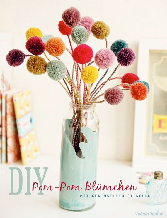 26-Pom-Pom-Decoration