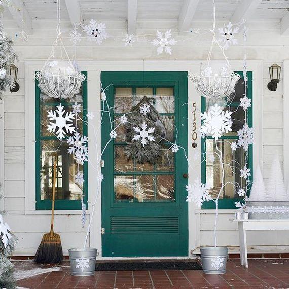 02-Front-Porch-Christmas-Decor
