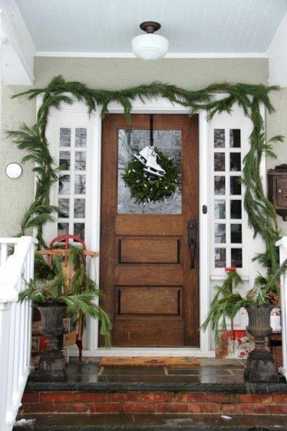 04-Front-Porch-Christmas-Decor