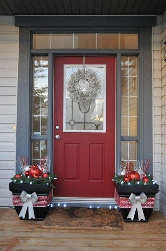 05-Front-Porch-Christmas-Decor