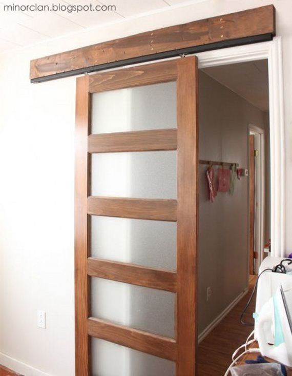 09-Ways-To-Upcycle-Old-Doors