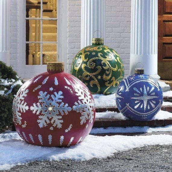 11-Front-Porch-Christmas-Decor