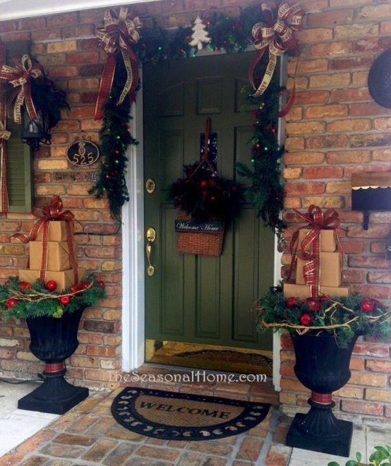 15-Front-Porch-Christmas-Decor