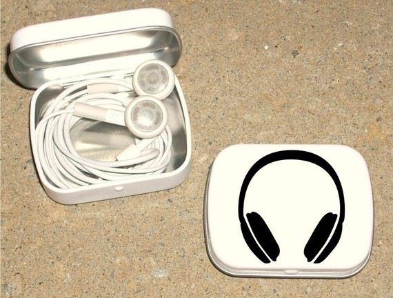 03-Store-Your-Headphones