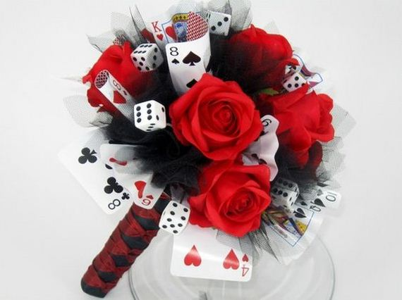 20 Unique DIY Projects Made With Playing Cards