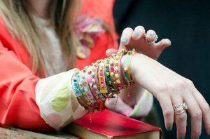 07-diy-bracelet-ideas-tutorials
