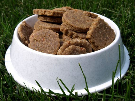 12-Natural-Homemade-Dog-Recipes