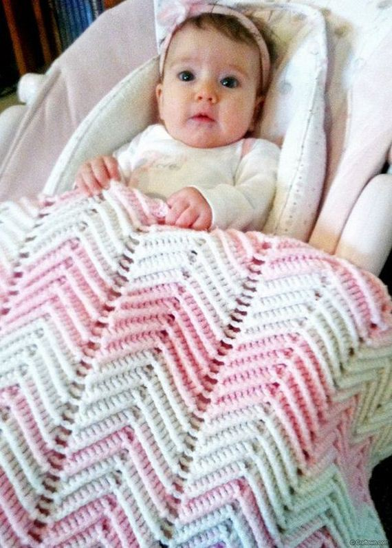 23-cool-easy-crochet-blankets