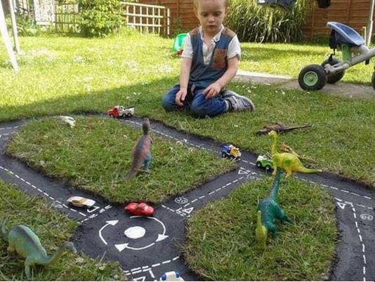 Cool DIY Outdoor Play Areas For Kids
