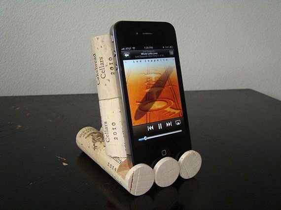 06-diy-iphone-stand