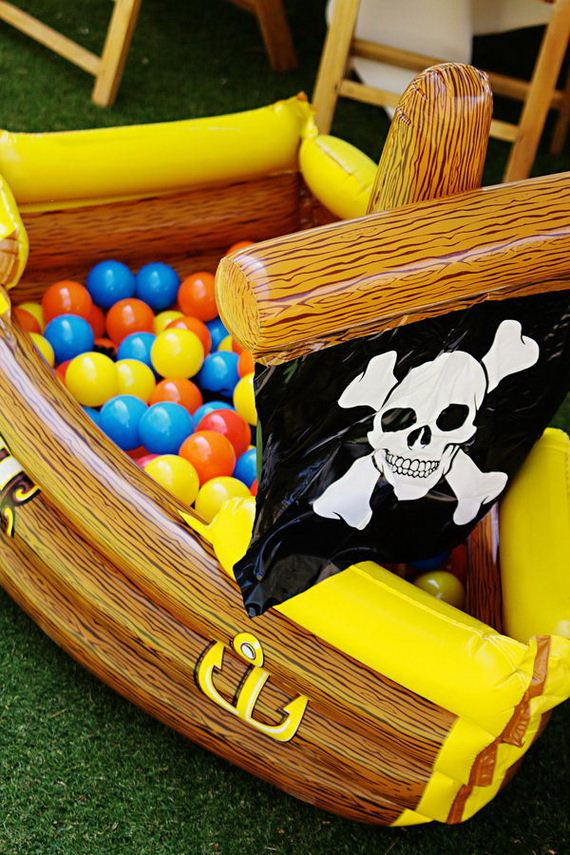09-pirates-party