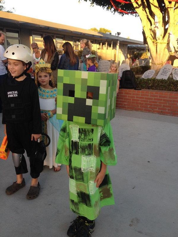 11-creative-homemade-halloween-costume