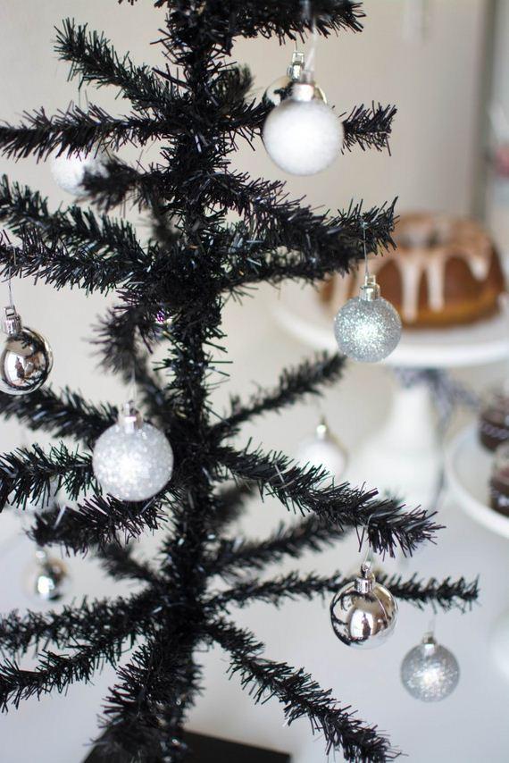 11-modern-christmas-trees
