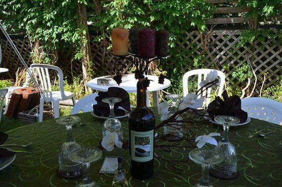 22-creative-wine-bottle-centerpieces