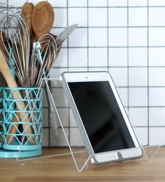 30-diy-iphone-stand