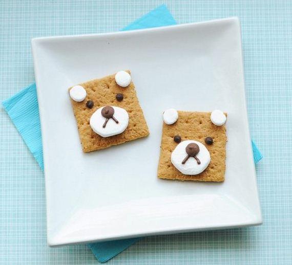 01-bear-snack