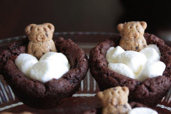 03-bear-snack