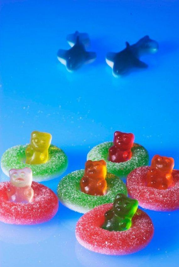06-bear-snack