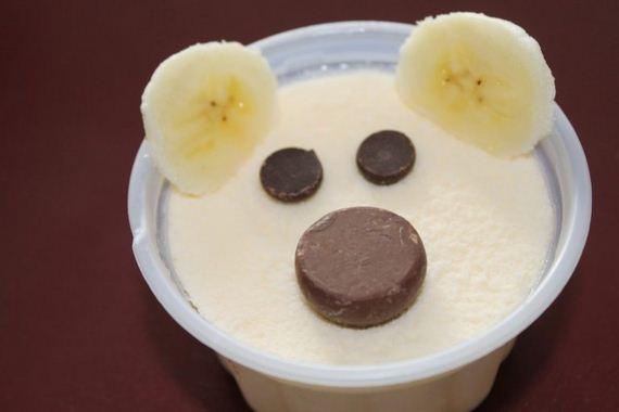 09-bear-snack