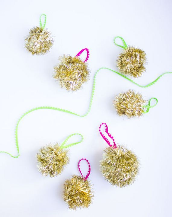 23-diy-christmas-ornaments