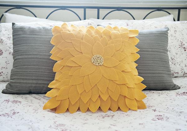 1-diy-pillow-ideas