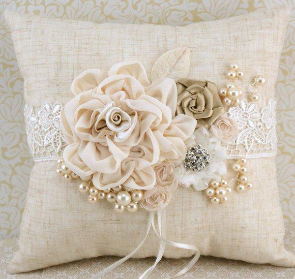 11-diy-pillow-ideas