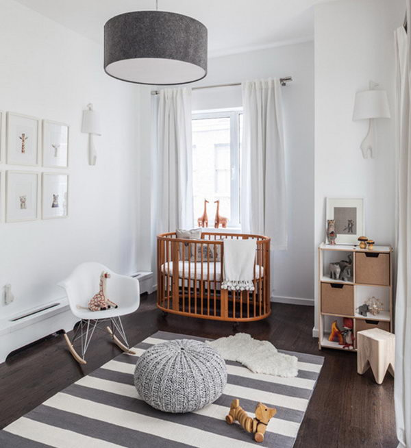 5-nursery-in-white-and-natural-wood