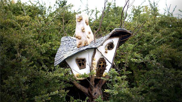 DIY Fairy Garden Tree House