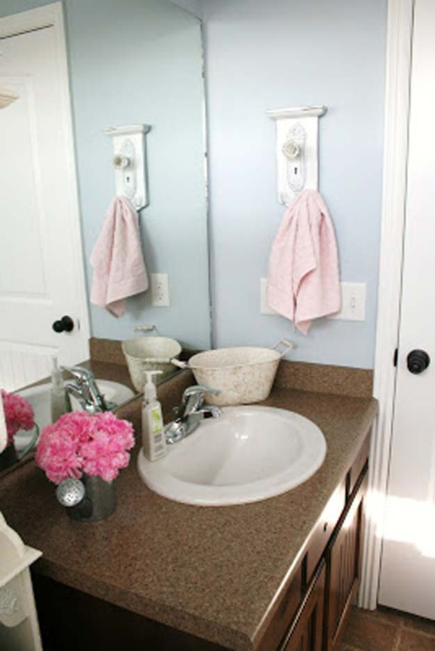 Diy Decorative Bathroom Towels : Fun diy bathroom decor projects
