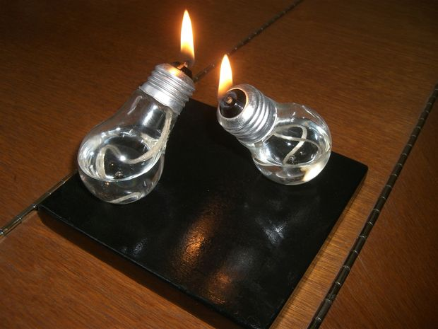 Awesome Ways To Use Old Light Bulbs