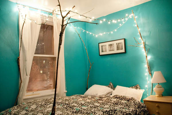 Things You Can Do With Fairy Lights - Fairy lights in a bedroom