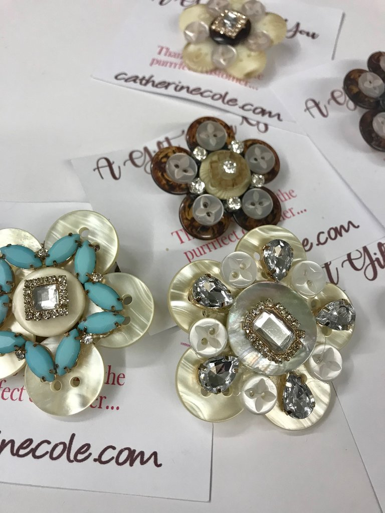 Jewelry DIY Tutorials Made With Buttons