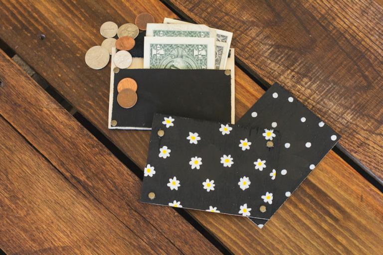 Attractive Leather Wallet DIYs