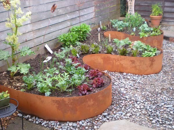 Amazing Garden Bed Edging Ideas That Anyone Can Do