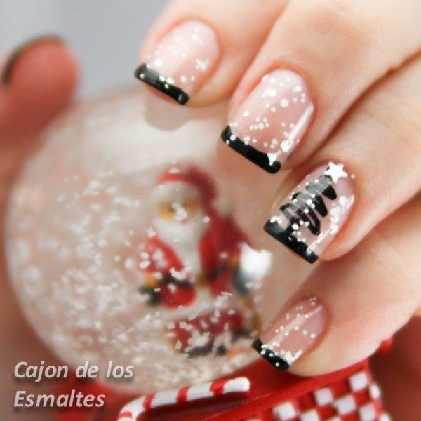 Cute christmas nail design ideas youve got try black french tip simple and gorgeous this nails use layers of polish to create this stunning tree look try it out for yourself solutioingenieria Choice Image
