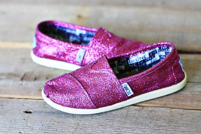 Awesome Glitter-Inspired Fashion DIYs