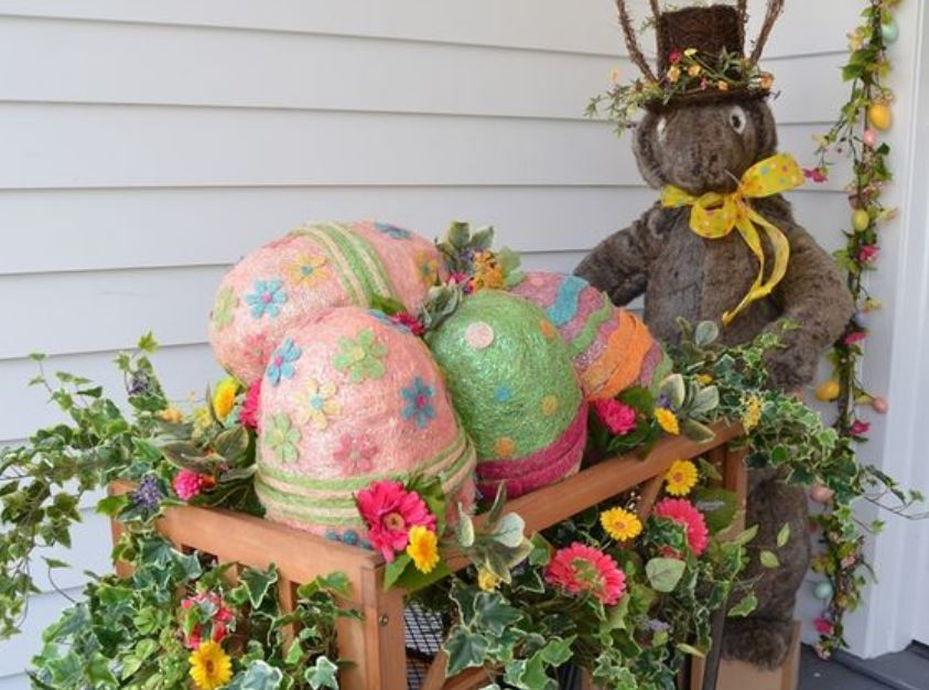 DIY Easter Outdoor Decorations