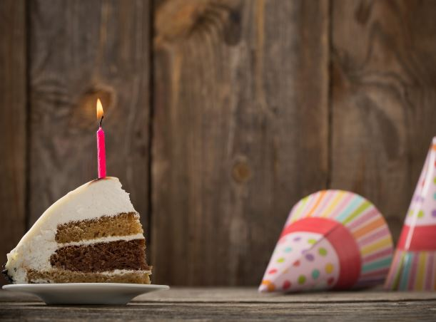 How to Save Money on Your Birthday with a Store-Bought Cake