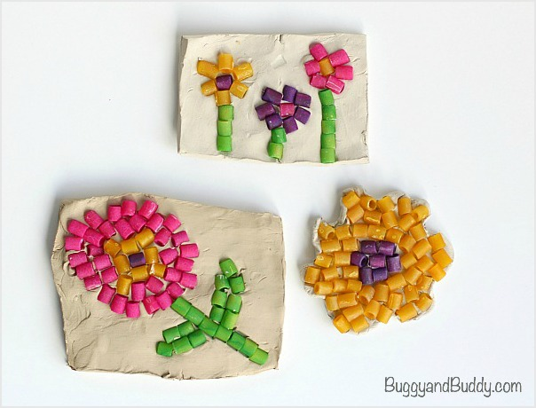 Amazing DIY Pasta Crafts