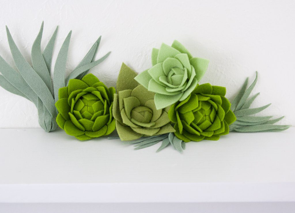 Awesome DIY Felt Flowers and Succulents Projects