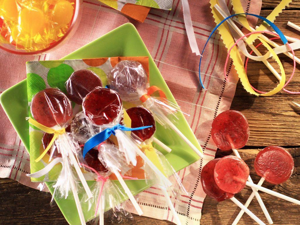 Easy DIY Lollipops