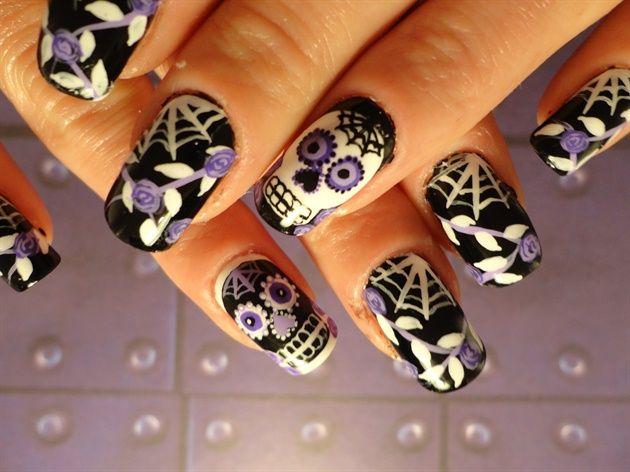 Cool Skull Nail Designs