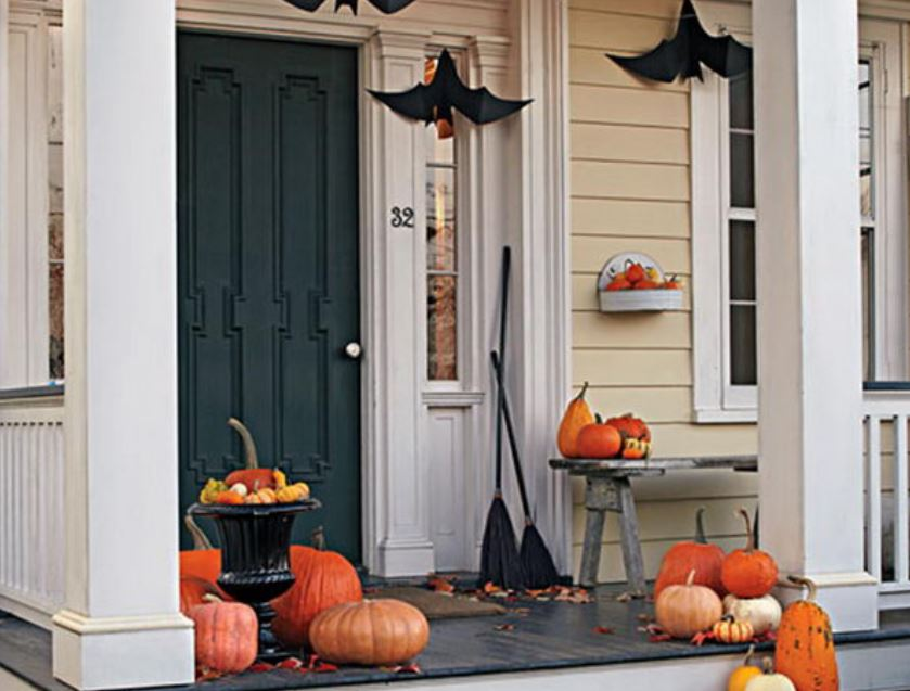 Cool Halloween Porch Decorations for 2018