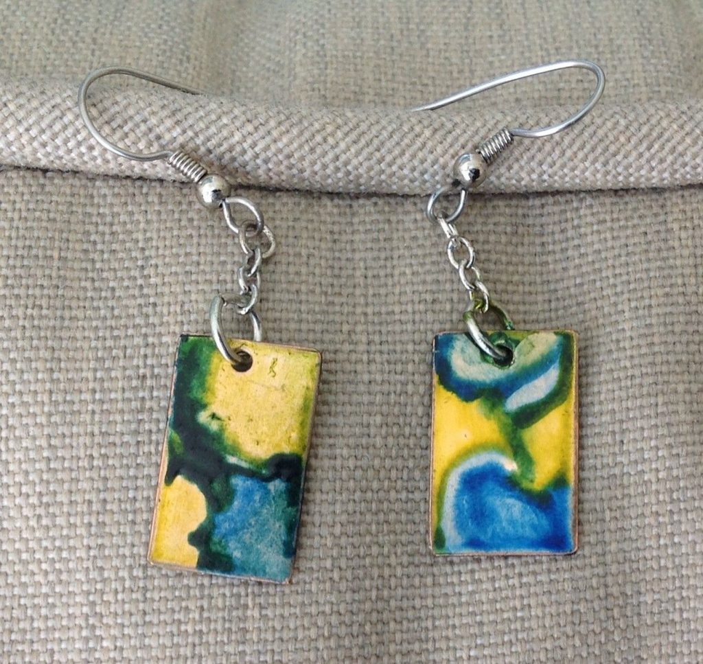 Awesome DIY Alcohol Ink Jewelry