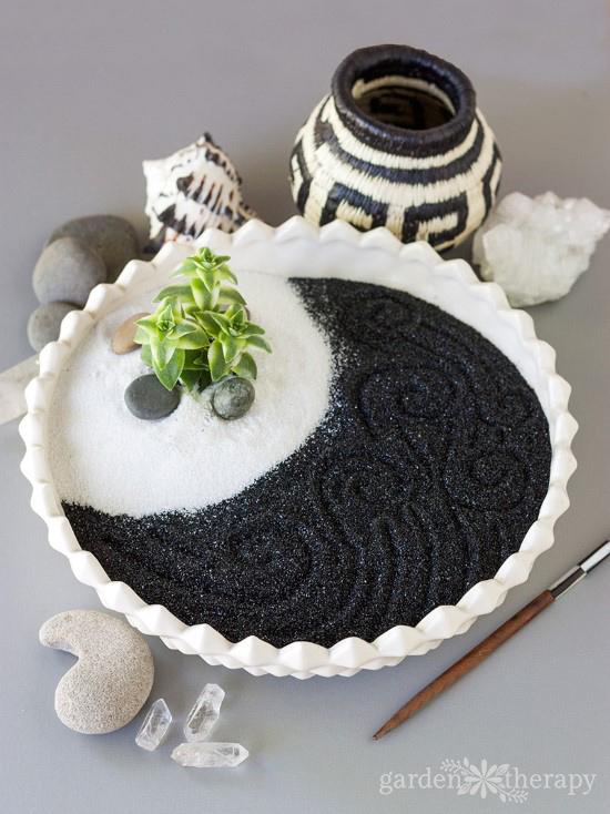 black and white zen garden - Diy Zen Garden