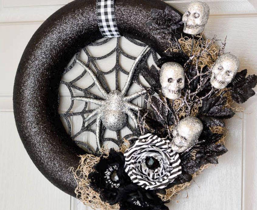 Awesome DIY Halloween Door Wreaths