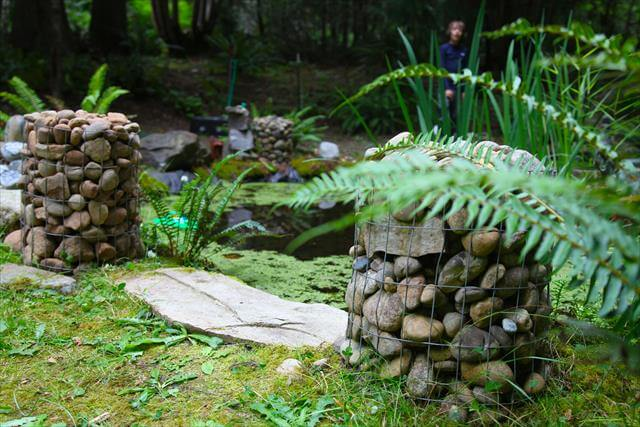 Awesome DIY Wire Mesh And Stones Projects