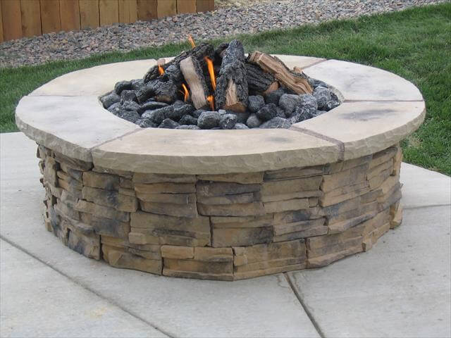 Awesome DIY Easy Fire Pit Projects