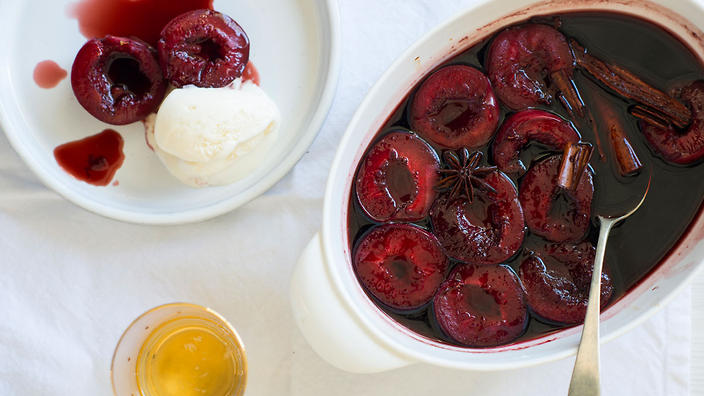 15 Awesome Recipes Made With Plums