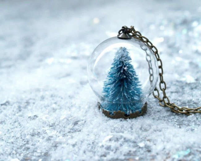 10 Awesome DIY Snow Globes For A Magical Winter